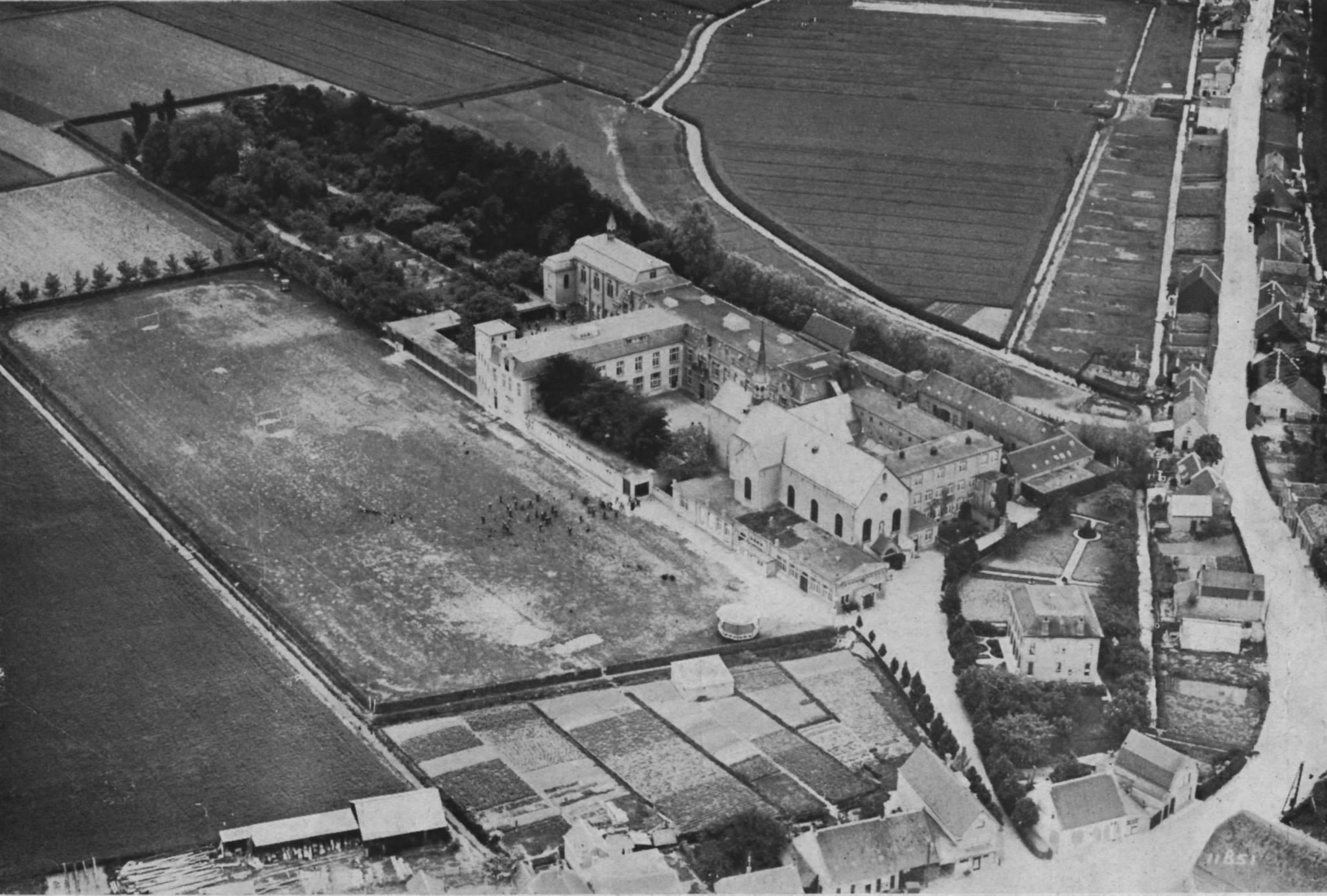 Luchtfoto oud klooster Langeweg