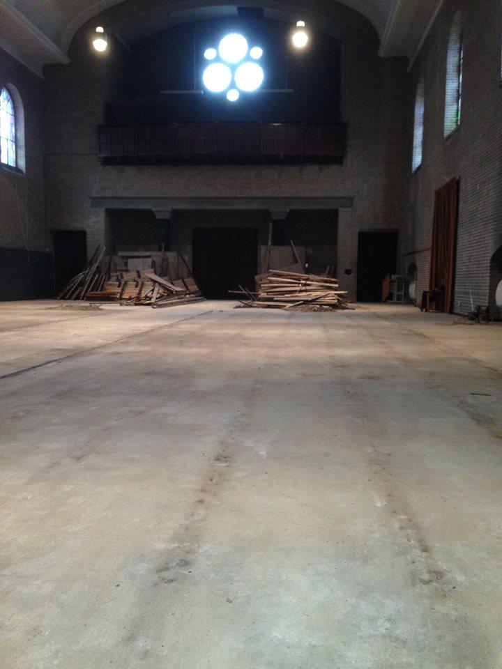 Kerk van Emmaus Langeweg zonder meubels