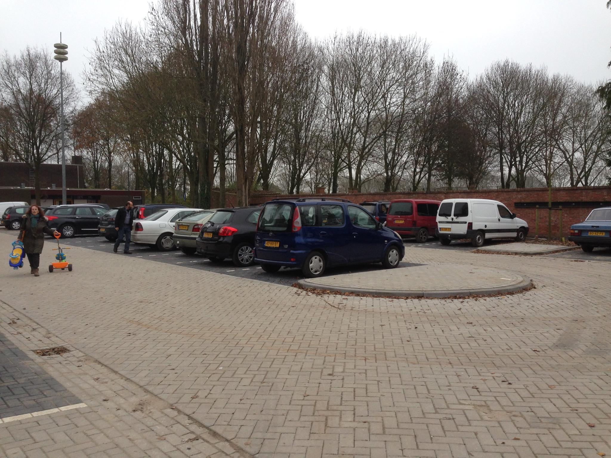 Parkeerplaats van Emmaus Langeweg