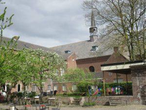 Terras van Emmaus Langeweg